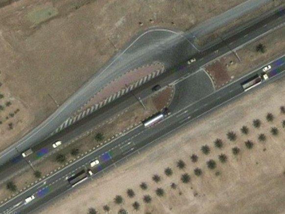 vista aerea di una delle aree di inversione di marcia sull'autostrada